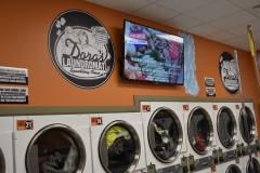 Dora's Laundromat